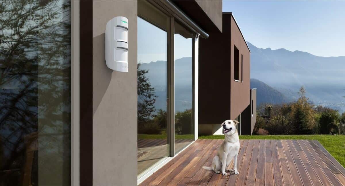 AJAX MotionProtect Outdoor Montage